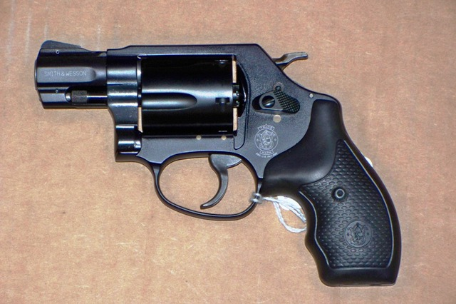 Revolvers and Derringers : S&W 357 SCANDIUM FRAME