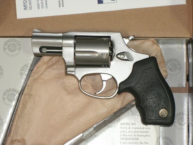 Revolvers and Derringers : TAURUS 605 357MG 2