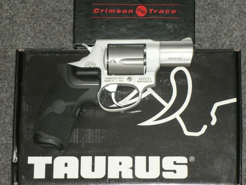 Revolvers and Derringers : TAURUS 85 38SPL 2
