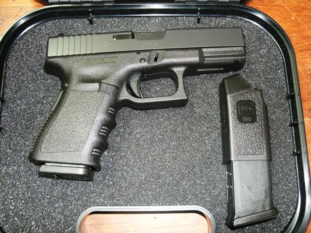 Semi Auto Pistols Glock 23 40sw Compact Fs 13rd